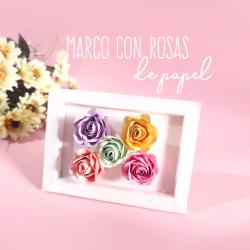 Marco con rosas de papel